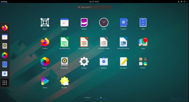 Fedora 32 desktop.