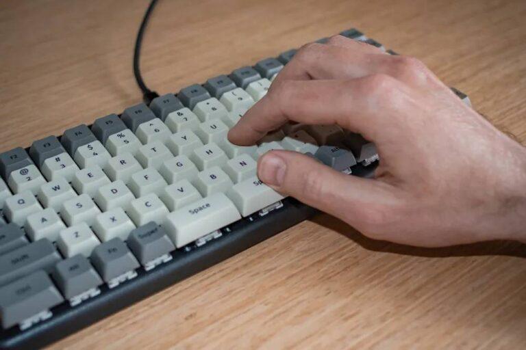 Split Space Bar of the Launch Keyboard