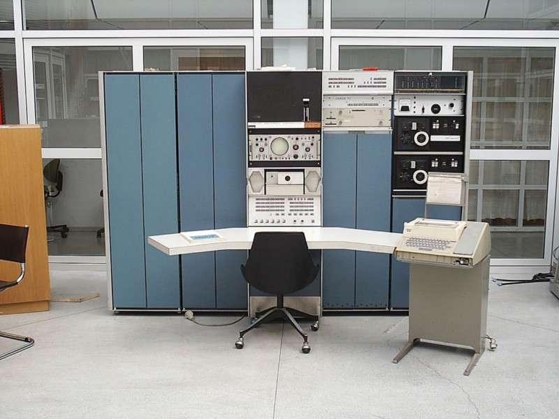 Digital Equipment Corporation's PDP-7 workstation.
